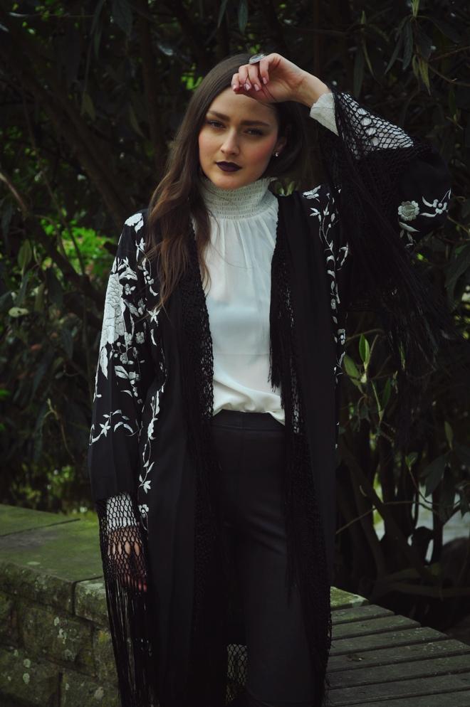Goth_style_fringes_dark_romance_boho_venetian